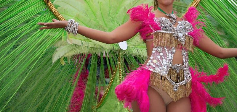 Mulher na dança do traje no carnaval fotos de stock