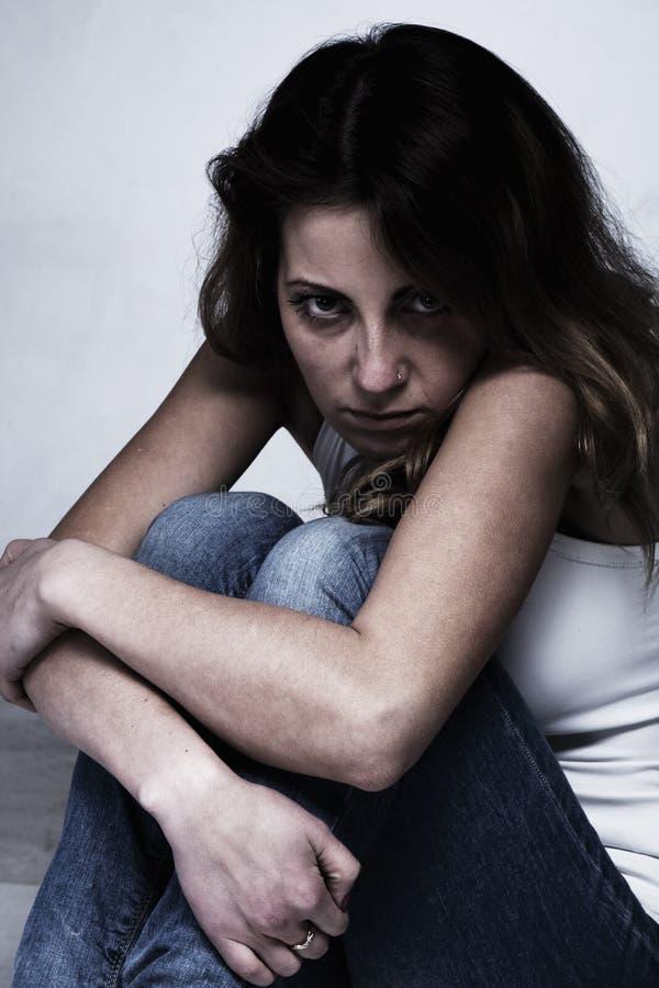 Mulher na depressão apenas com dificuldades dos problemas, psycholo imagens de stock