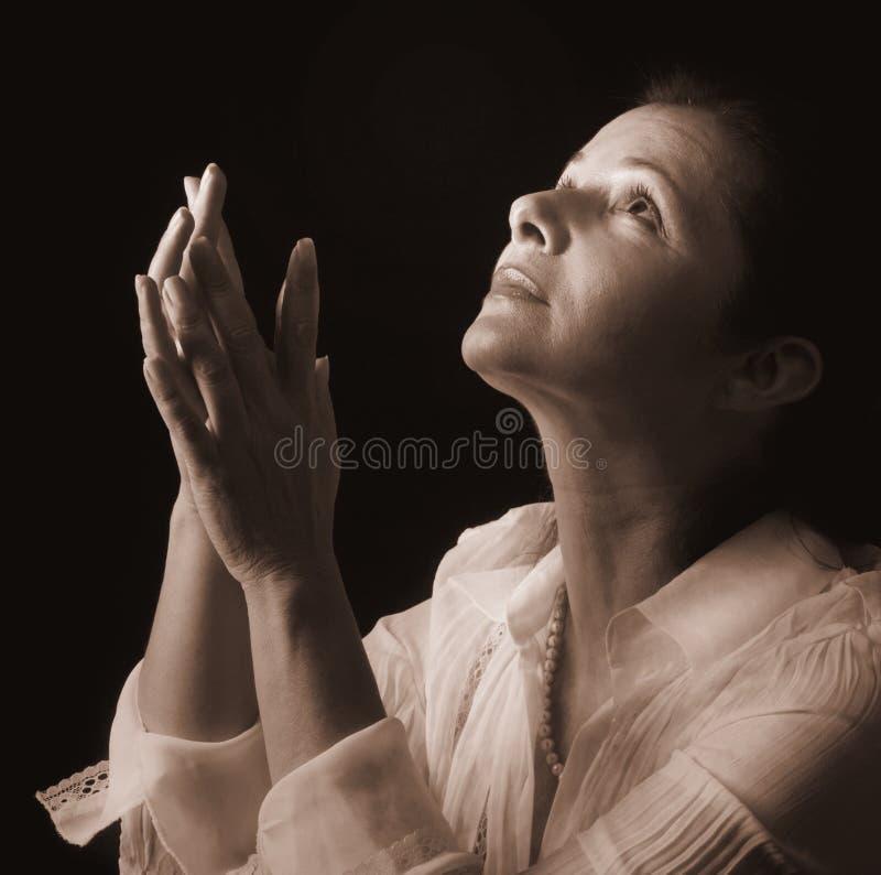 Mulher na oração foto de stock royalty free