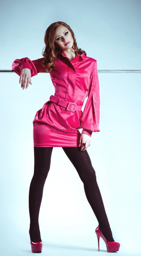 Mulher na roupa da forma fotografia de stock royalty free