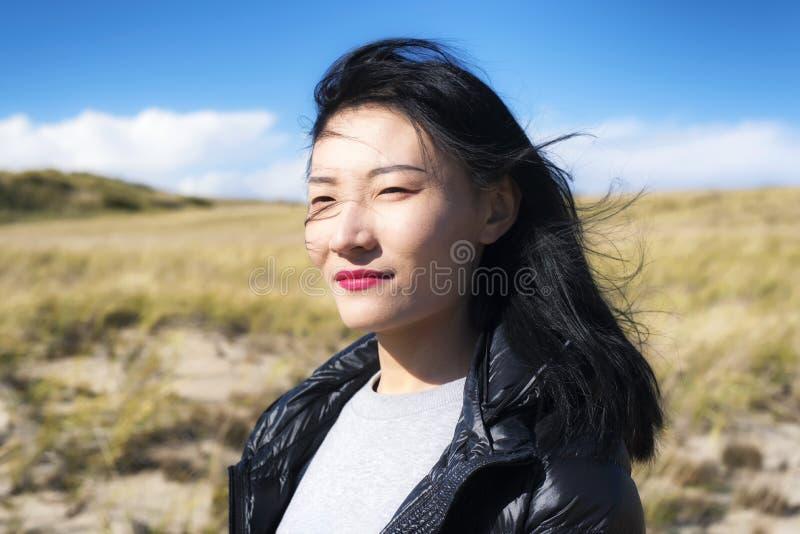 Mulher nacional da natureza do litoral de Cape Cod imagens de stock royalty free