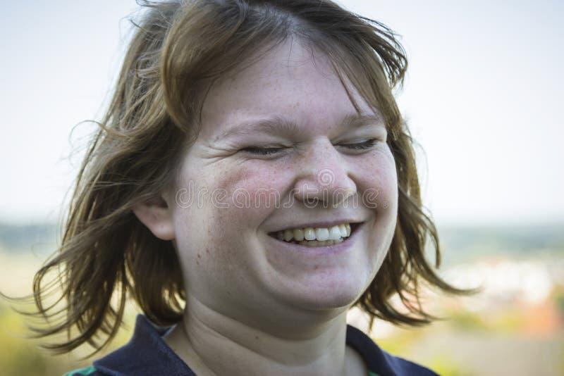 Mulher natural com olhos fechados fotografia de stock