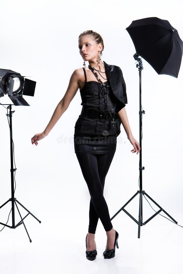 Mulher no estúdio imagens de stock