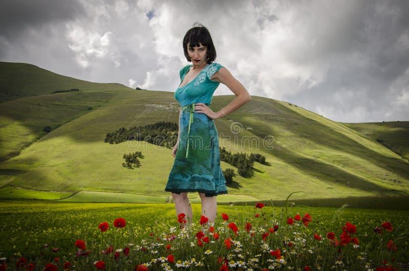 Mulher no país das maravilhas foto de stock