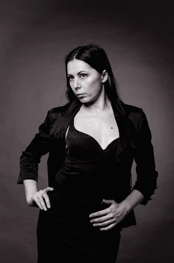 Mulher no preto imagens de stock