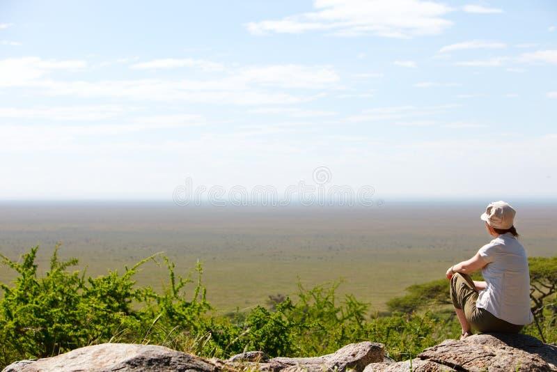 Mulher no safari imagens de stock