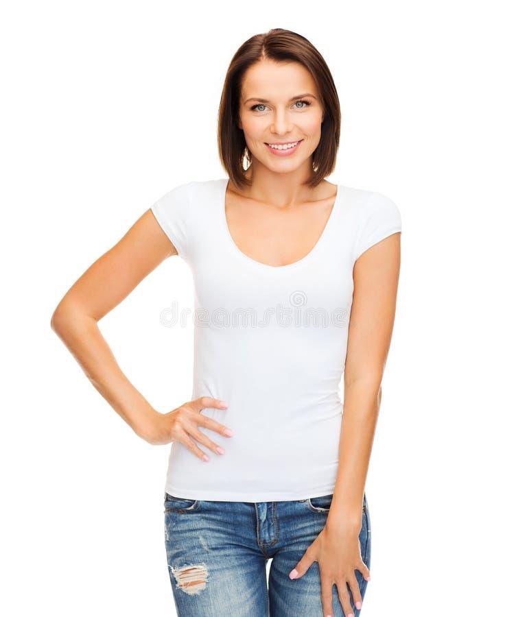 Mulher no t-shirt branco vazio fotografia de stock royalty free