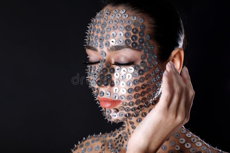 Mulher no thumbtack fotografia de stock