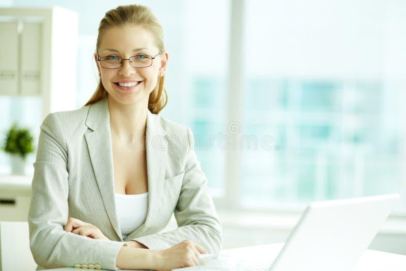 Mulher no trabalho foto de stock royalty free