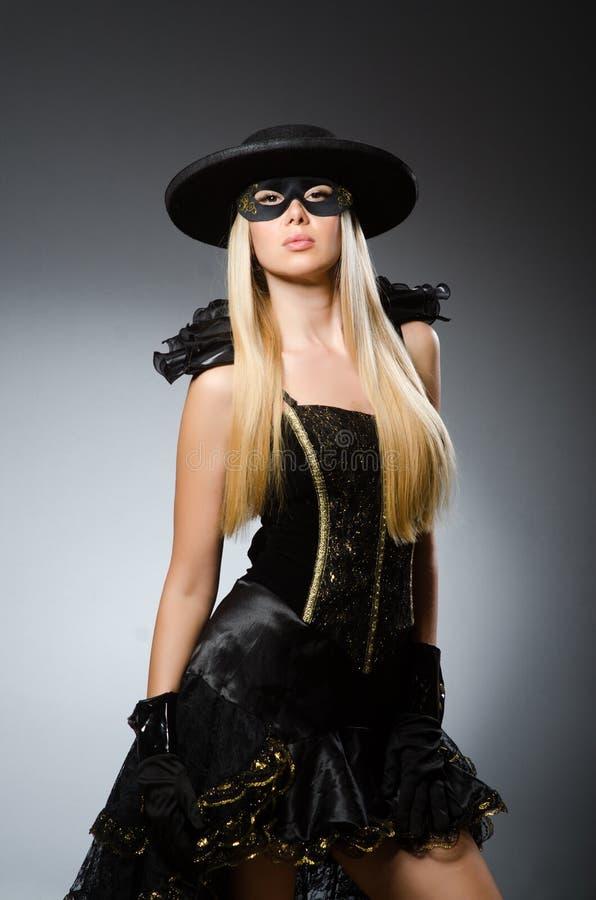 Mulher no traje do pirata - conceito de Dia das Bruxas imagem de stock
