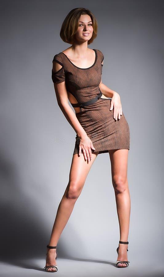 Mulher no vestido da forma imagem de stock royalty free
