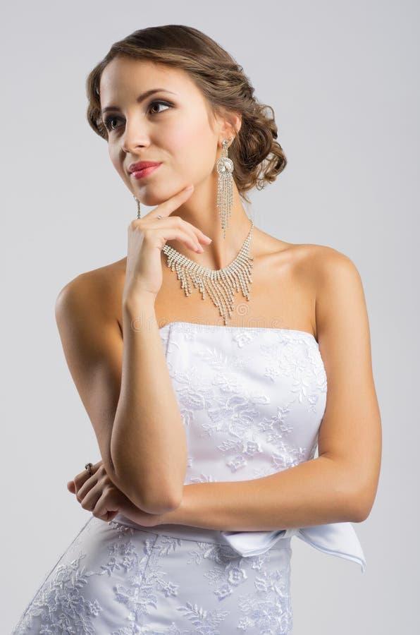 Mulher no vestido de casamento imagens de stock royalty free
