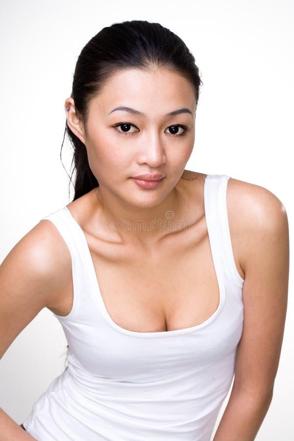 Mulher nova asiática atrativa imagem de stock royalty free