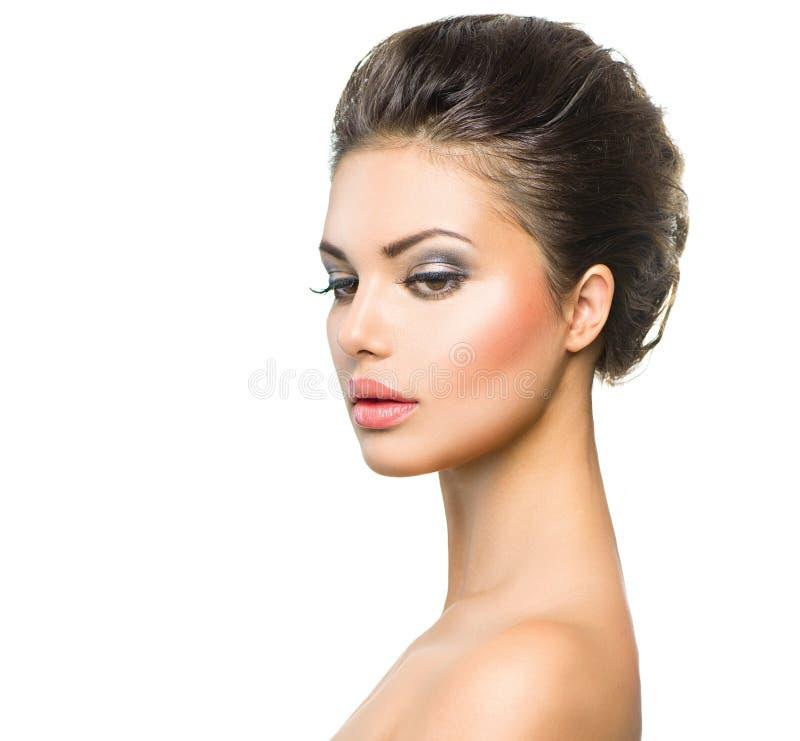 Mulher nova bonita com pele limpa fotografia de stock