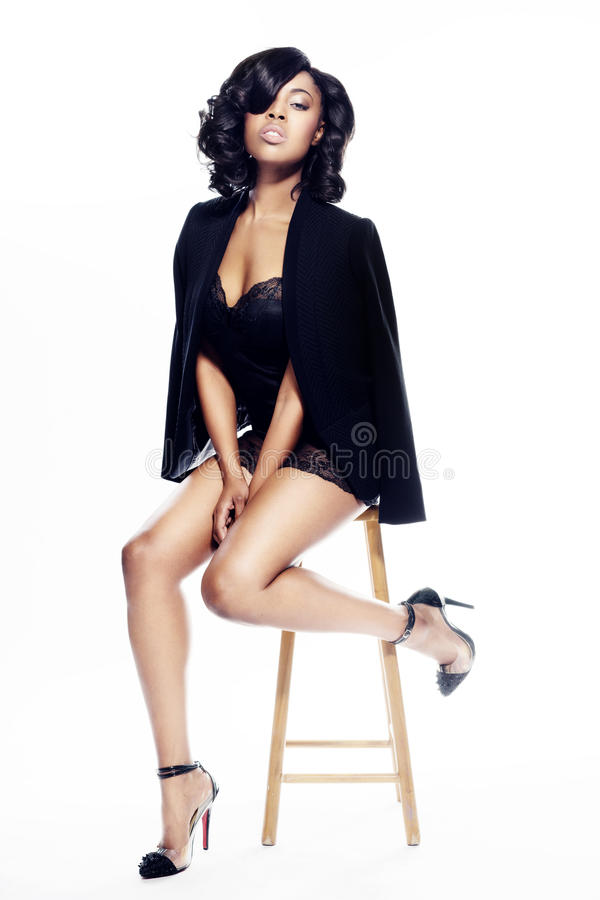 Mulher nova bonita de americano africano imagem de stock