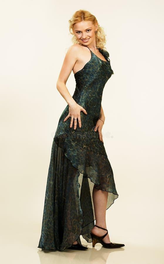 Mulher nova bonita no vestido de noite. Retrato. imagens de stock royalty free