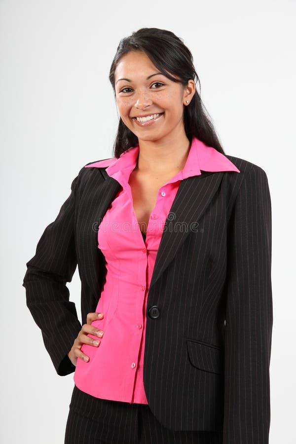 Mulher nova bonita que desgasta o terno de negócio escuro fotos de stock
