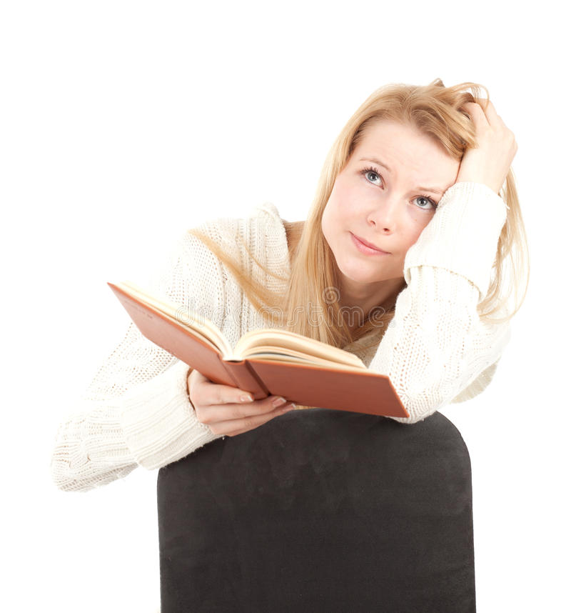 Mulher nova com livro marrom foto de stock