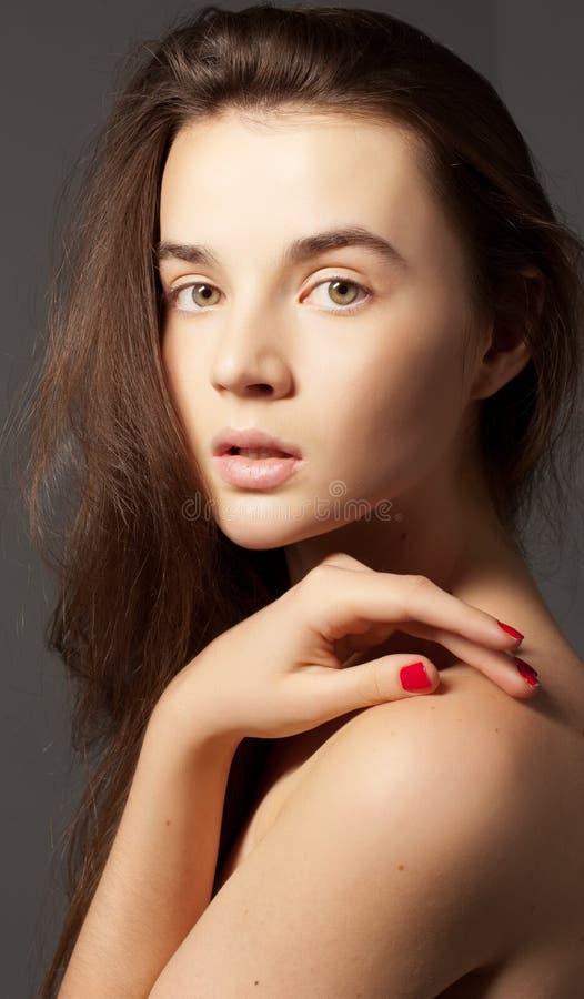 Mulher nova com olhos bonitos imagem de stock royalty free