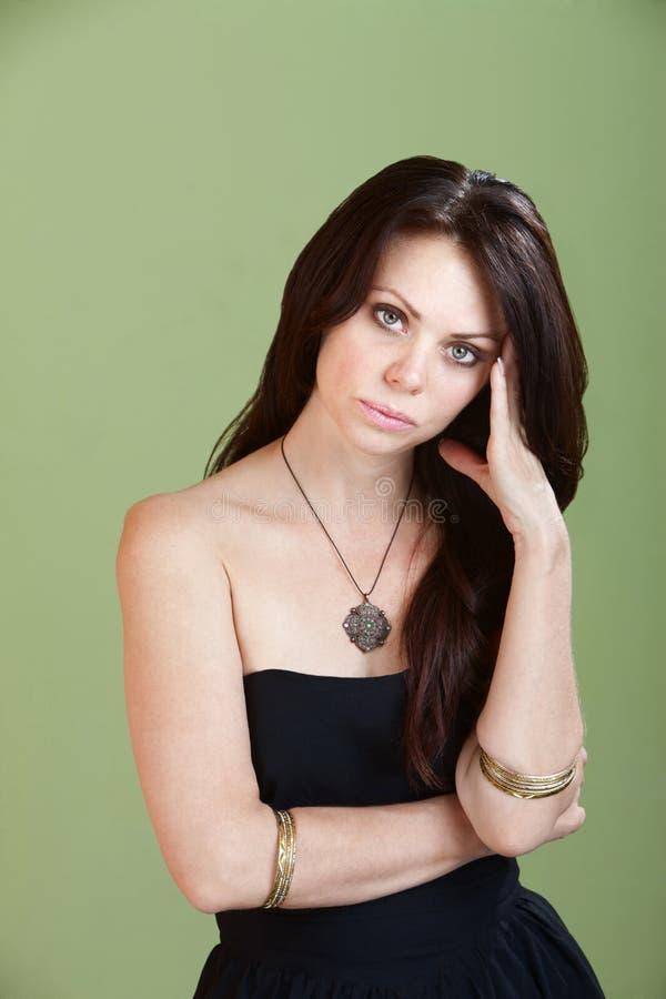 Mulher nova com PMS imagens de stock