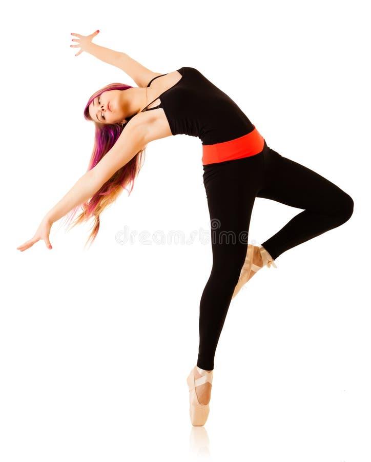 Mulher nova da dança no fundo branco imagens de stock