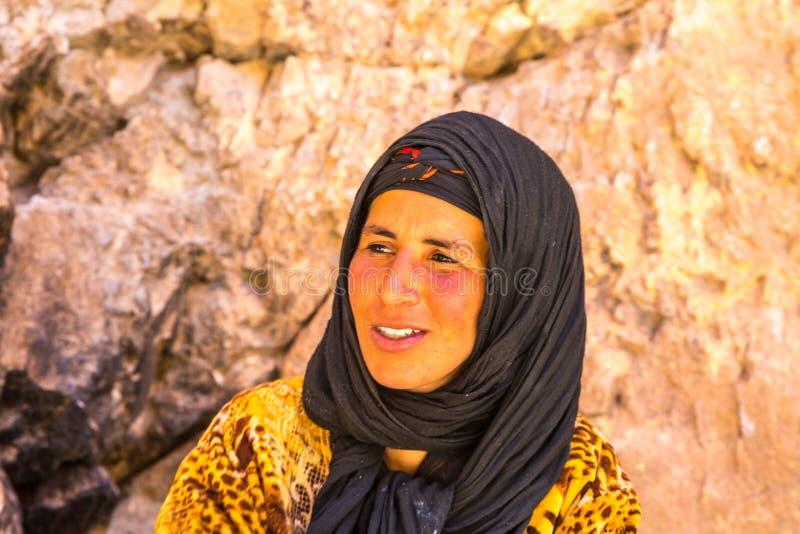 Mulher nova do Berber imagens de stock