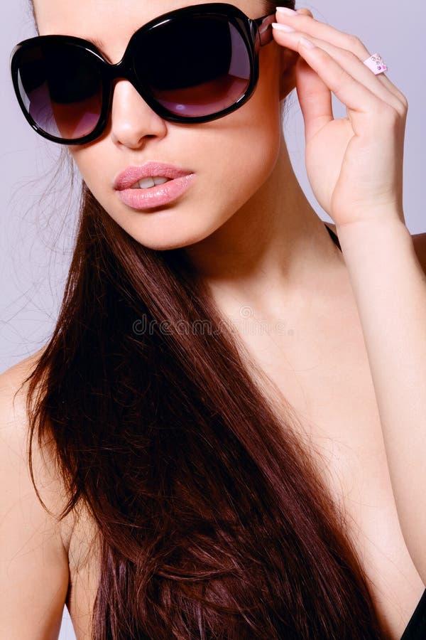 Mulher nova glamoroso imagens de stock royalty free