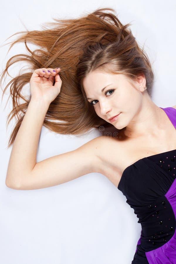 Mulher nova harmonous bonita com cabelo longo imagem de stock royalty free