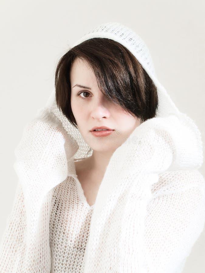 Mulher nova no branco imagens de stock royalty free