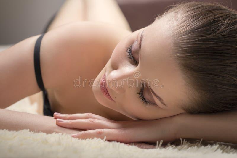 Mulher nova sensual fotos de stock