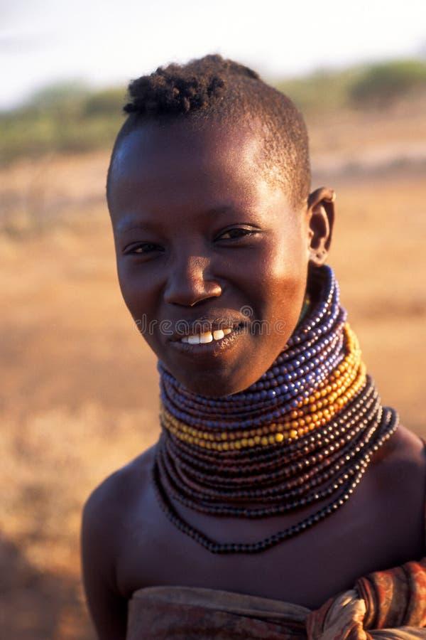 Mulher nova Turkana (Kenya) fotos de stock royalty free