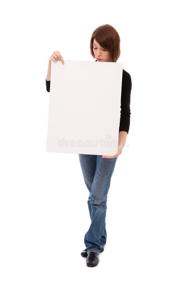 Mulher ocasional com placa em branco imagens de stock royalty free