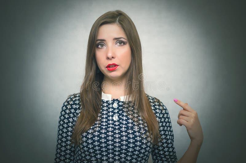 Mulher ofendida Retrato culpado da menina fotografia de stock
