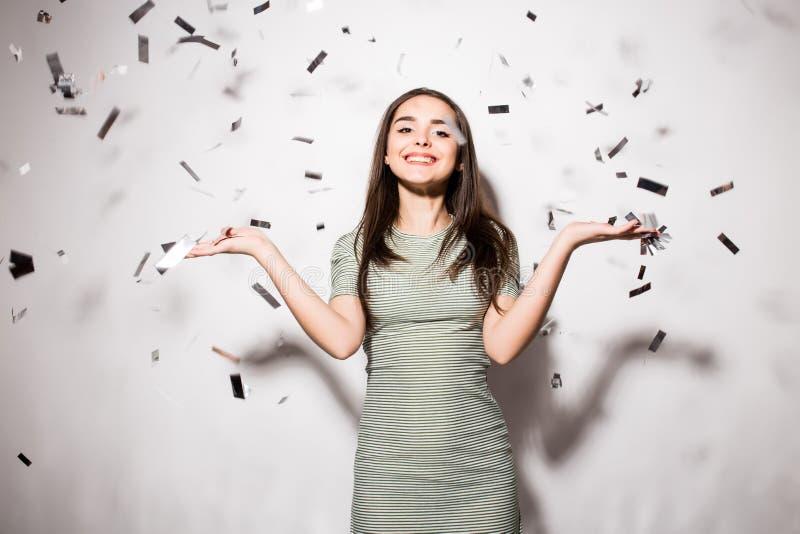 Mulher Ou Menina Adolescente No Vestido De Fantasia Com Lantejoulas E Confetes No Partido Foto
