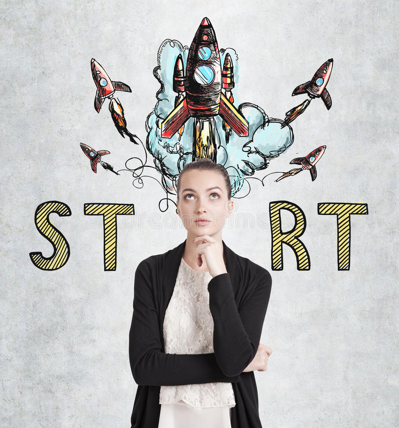 A mulher pensativa e começa acima foto de stock
