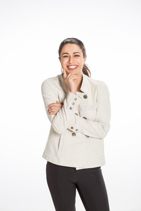 A mulher profissional nova vestiu-se para o negócio com um grande sorriso que olha feliz Grande conceito para o sucesso, a alegri imagem de stock royalty free