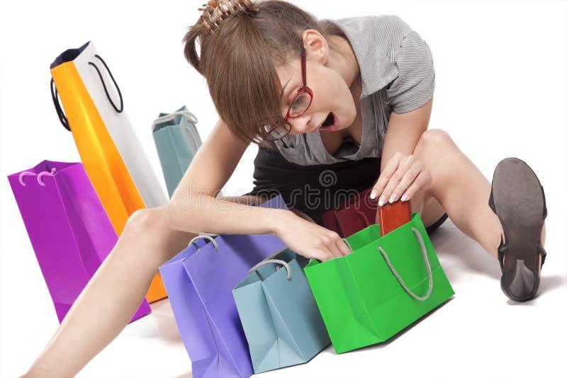 Download Mulher Que Admira Sua Compra Imagem de Stock - Imagem de brilhante, comprador: 16869923