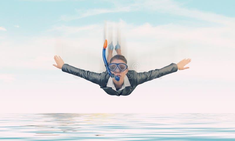 Mulher que flutua no céu Meios mistos ilustração stock