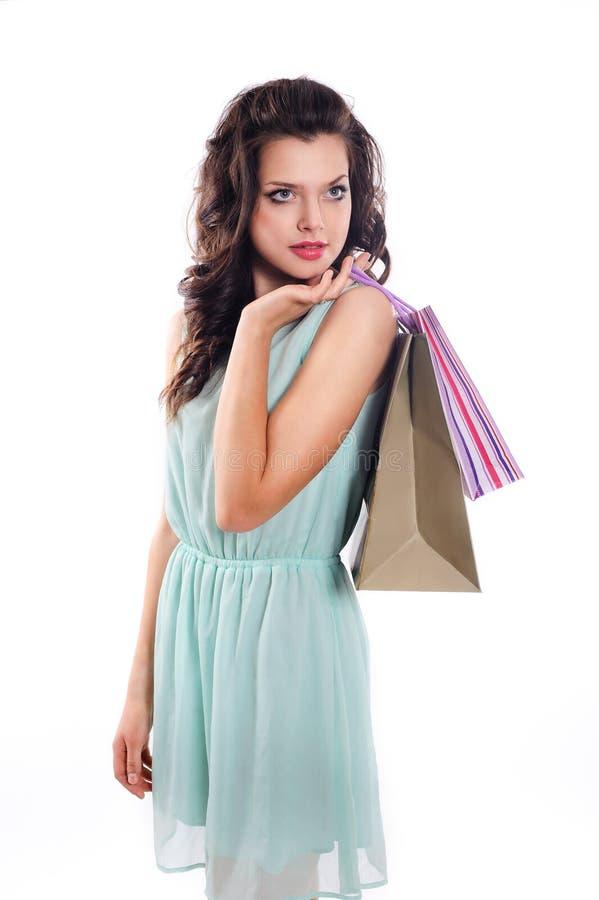 Mulher que guarda o saco de compras imagens de stock
