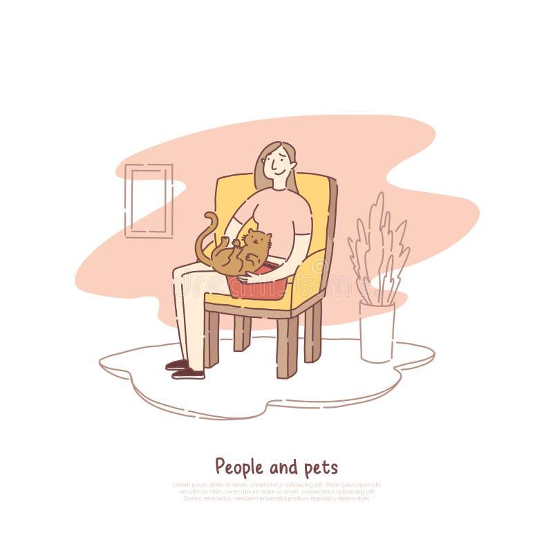 Mulher que joga com o gato na sala, menina que senta e que abraça o molde adorável da bandeira da amizade do gatinho, dos povos e ilustração stock