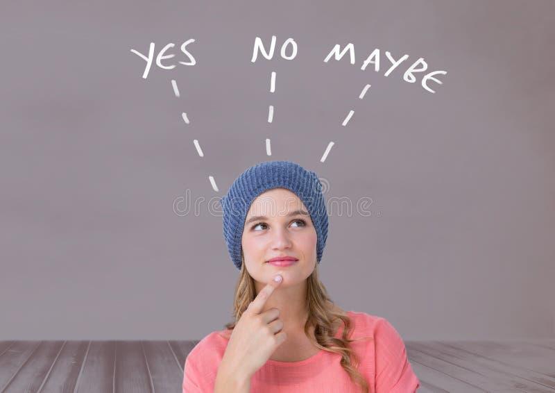 A mulher que pensa sim o nenhum text talvez com o gráfico na parede foto de stock
