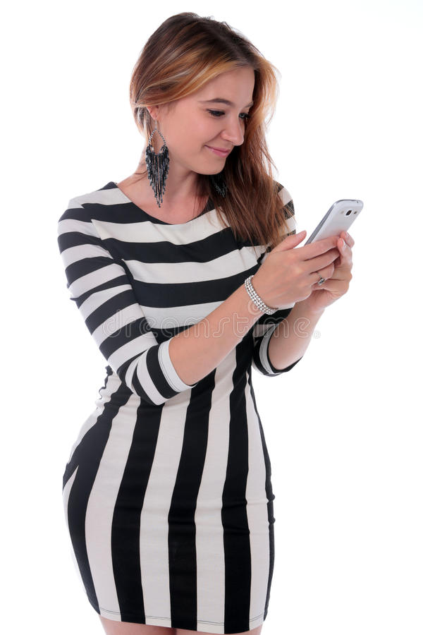 Mulher que recebe uma boa mensagem de texto foto de stock