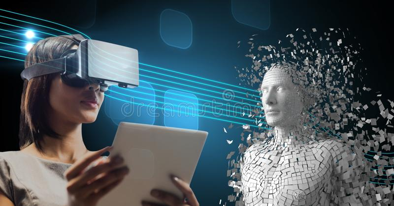 A mulher que usa vidros de VR e PC da tabuleta por 3d dispersou a figura humana imagem de stock