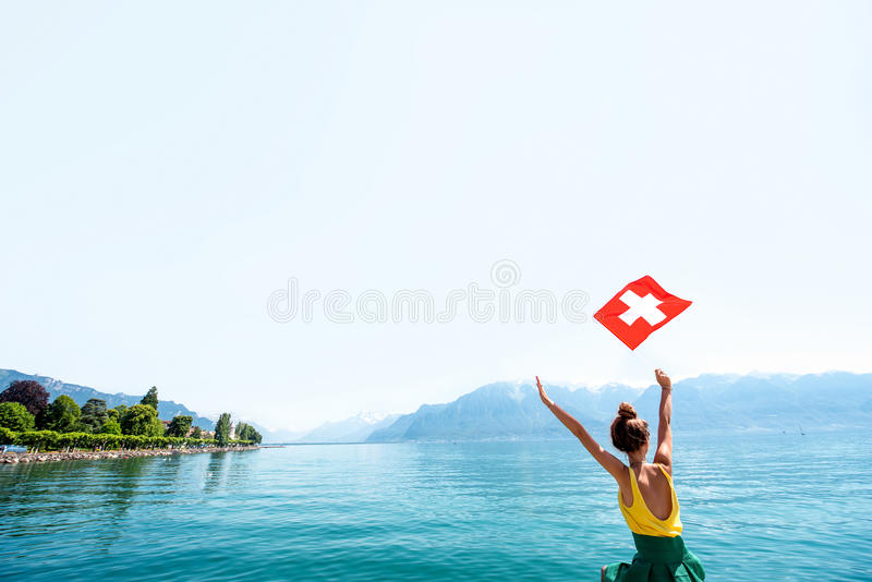 Mulher que viaja em Suíça fotos de stock