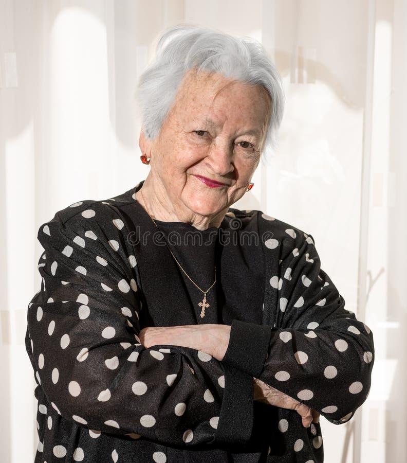 Mulher sênior de sorriso fotografia de stock royalty free