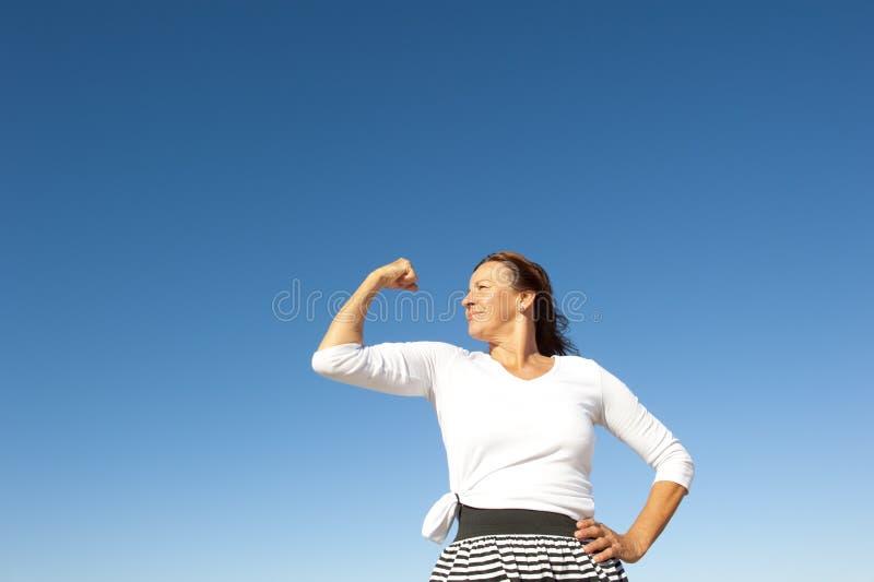Mulher sênior feliz confiável fotografia de stock