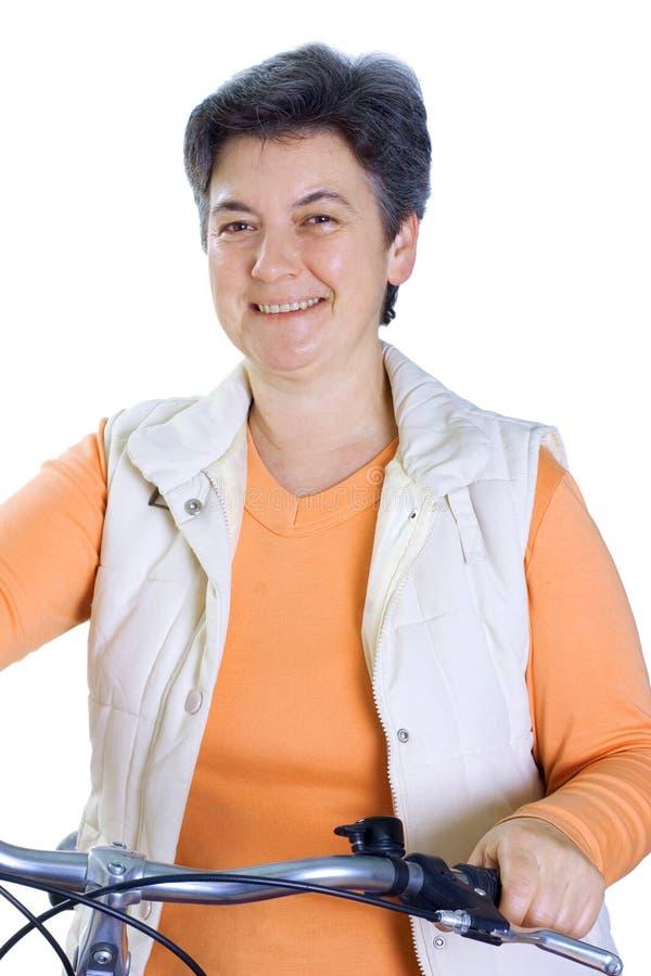 Mulher sênior no ciclo fotos de stock royalty free