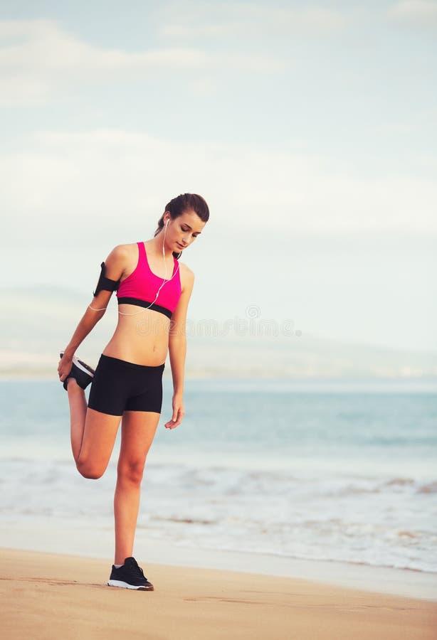 Mulher saudável da aptidão dos esportes fotografia de stock royalty free