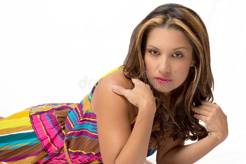 Mulher sedutor em um fundo branco imagens de stock royalty free