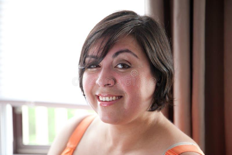 Mulher segura bonita de latina foto de stock royalty free